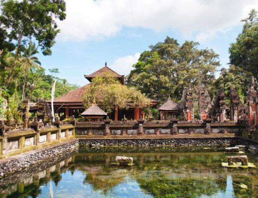 The water temples of Tirtha Empul