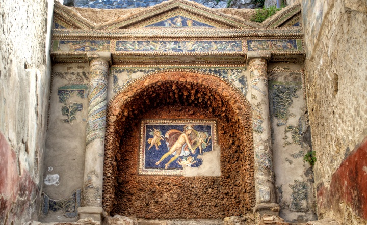 Mosaic at Pompeii ruins