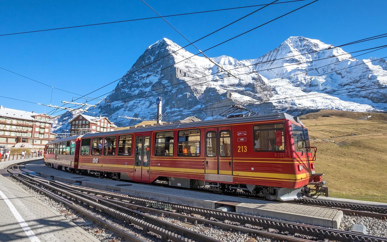Europe by train: Swiss mountain railway at Kleine Scheidegg