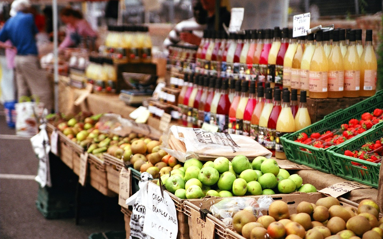 Apple stall at Marylebone farmers' market
