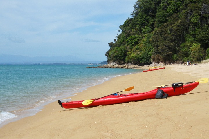 Abel Tasman National Park by sea kayak