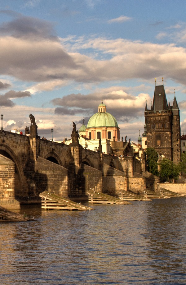 Prague's iconic Charles Bridge – On the Luce travel blog