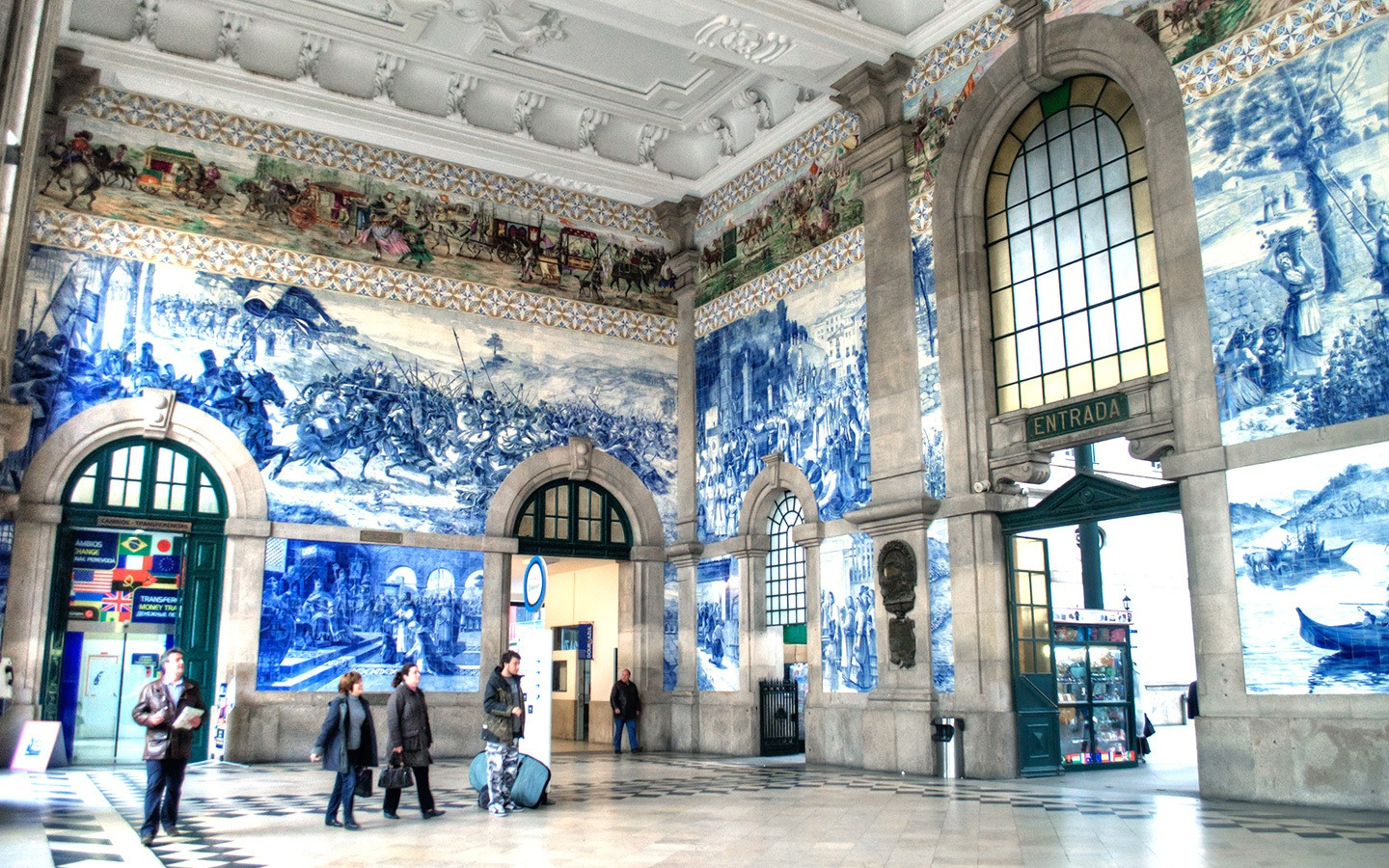 São Bento train station in Porto, Portugal