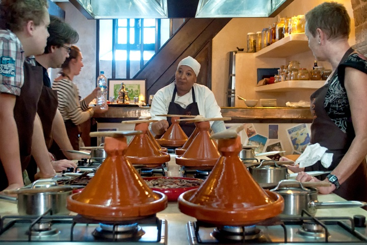 Tagines cooking, L'Atelier Madada Moroccan cookery school, Essaouira, Morocco
