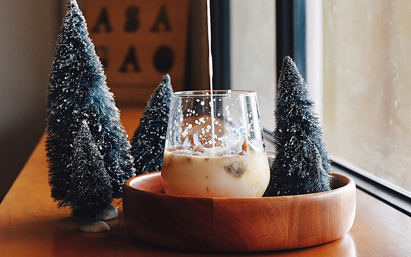 White Russian cocktail drink