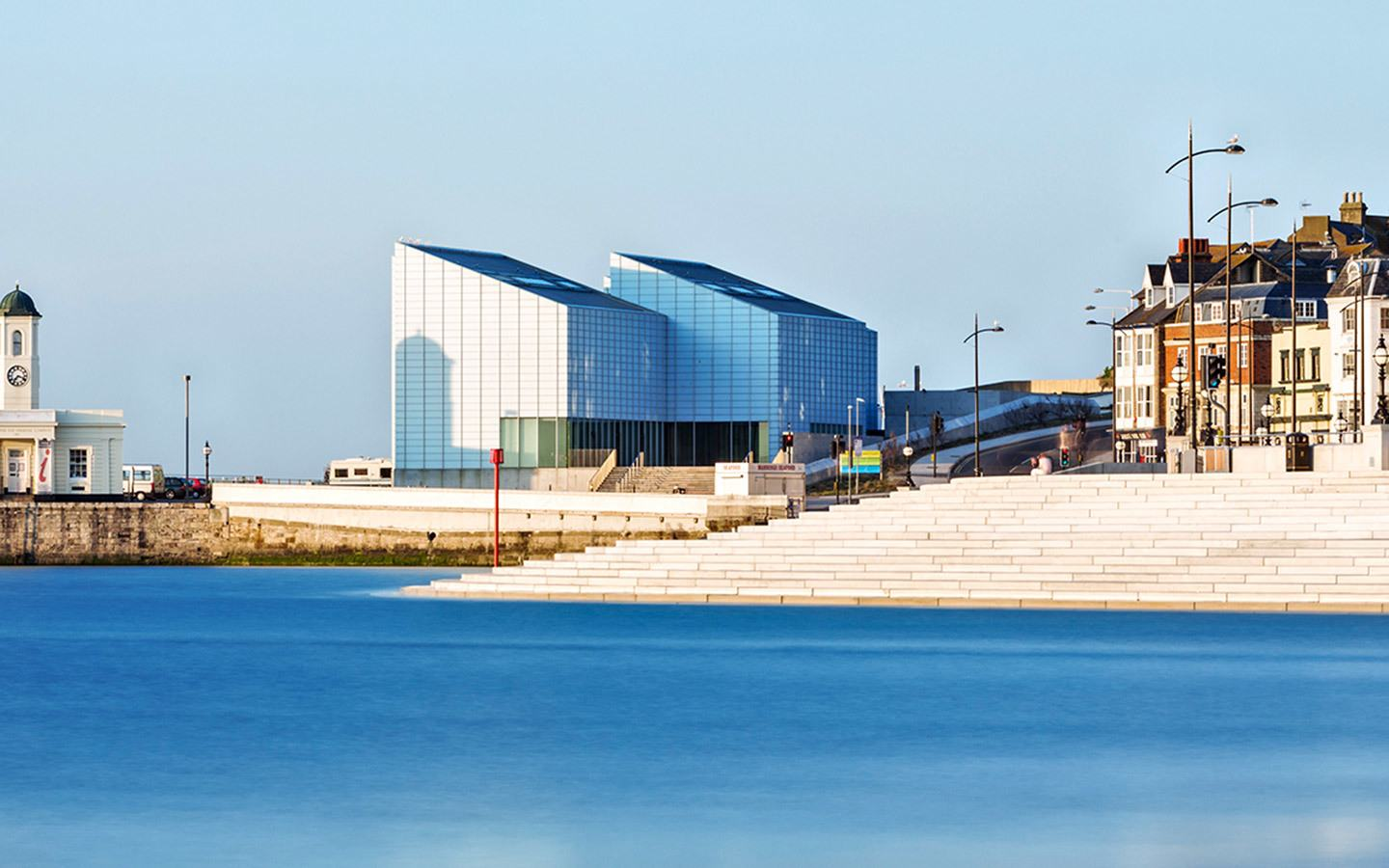 Margate's seafront and the Turner Contemporary gallery, an alternative to visiting Brighton