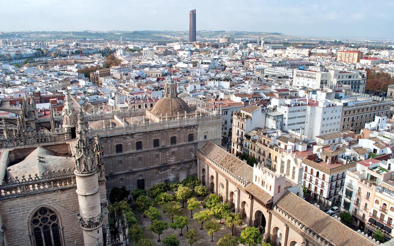 Seville cathedral Giralda tower views