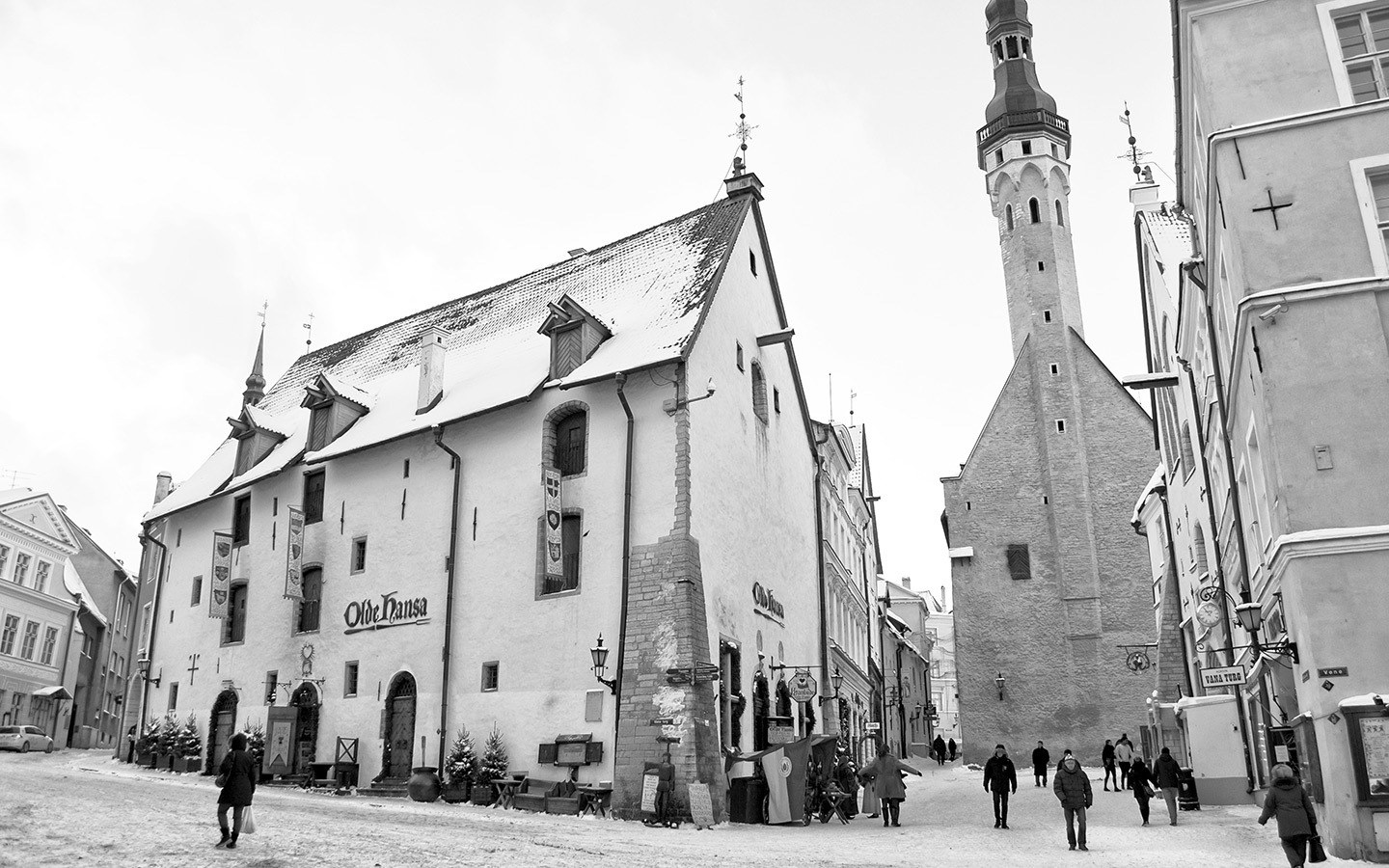 Exploring the Old Town of Tallinn