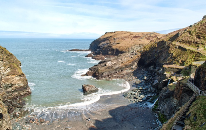 Spectacular coastal location
