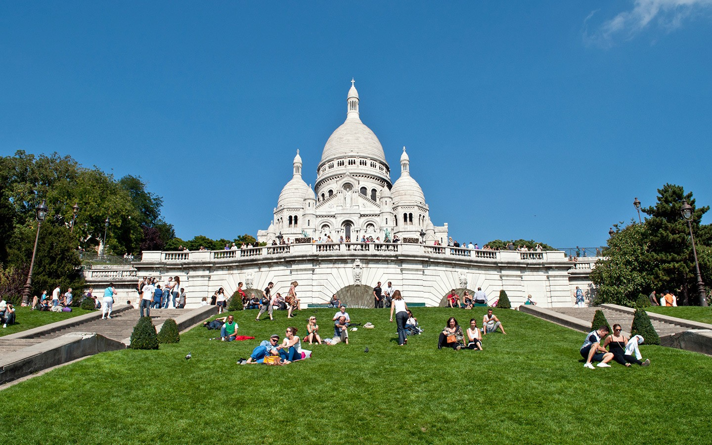 8e51364962 Visiting Paris on a budget – On the Luce travel blog