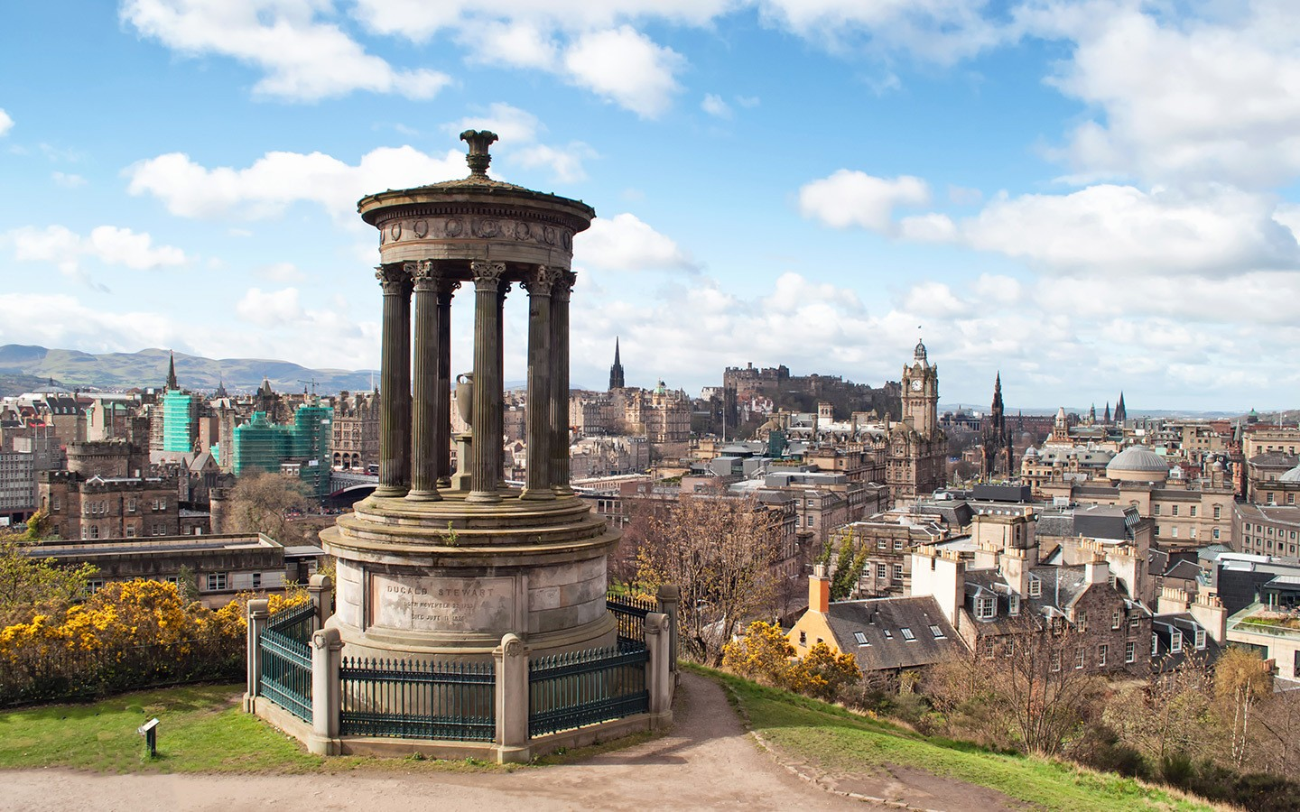 Visiting Edinburgh on a budget