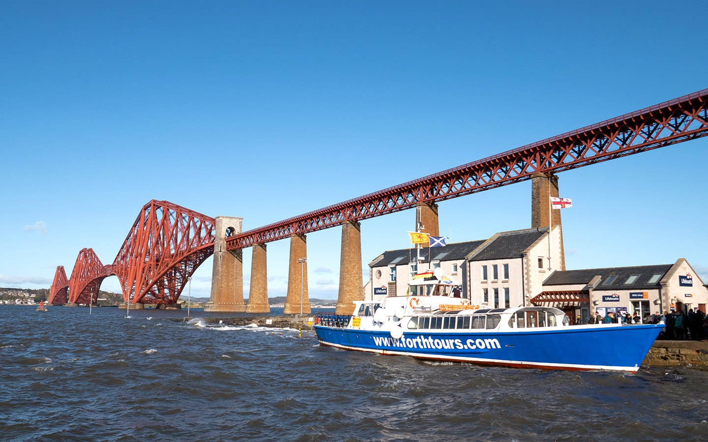 A boat tour on the Firth of Forth in Edinburgh