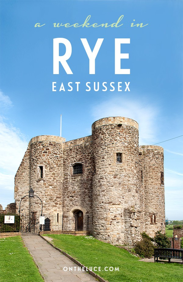 How to spend a weekend in Rye in East Sussex, with tips on what to see, do, eat and drink on a 48-hour escape to the pretty historic coastal town #Rye #Sussex #EastSussex #VisitEngland #weekend #weekendbreak