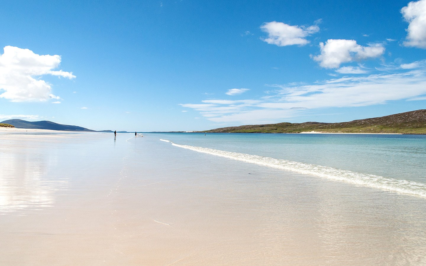 The stunning white sands of Luskentyre Beach on the Isle of Harris, Outer Hebrides