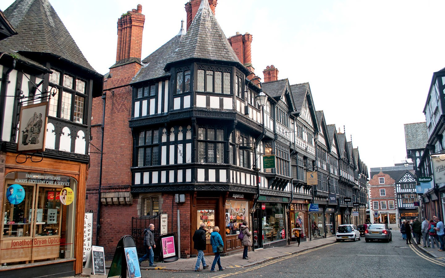 Chester's black and white buildings