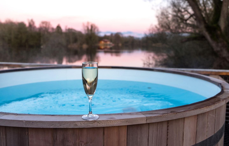 Hot tub sunset at Lake House Holidays