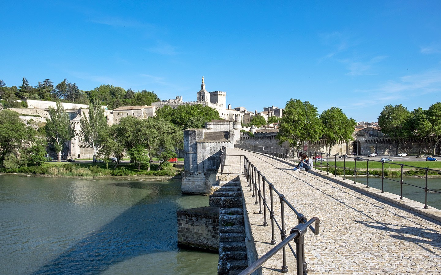 Ponts and palaces: Things to do in Avignon, France