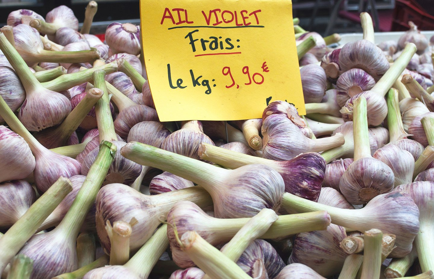Garlic stall in France