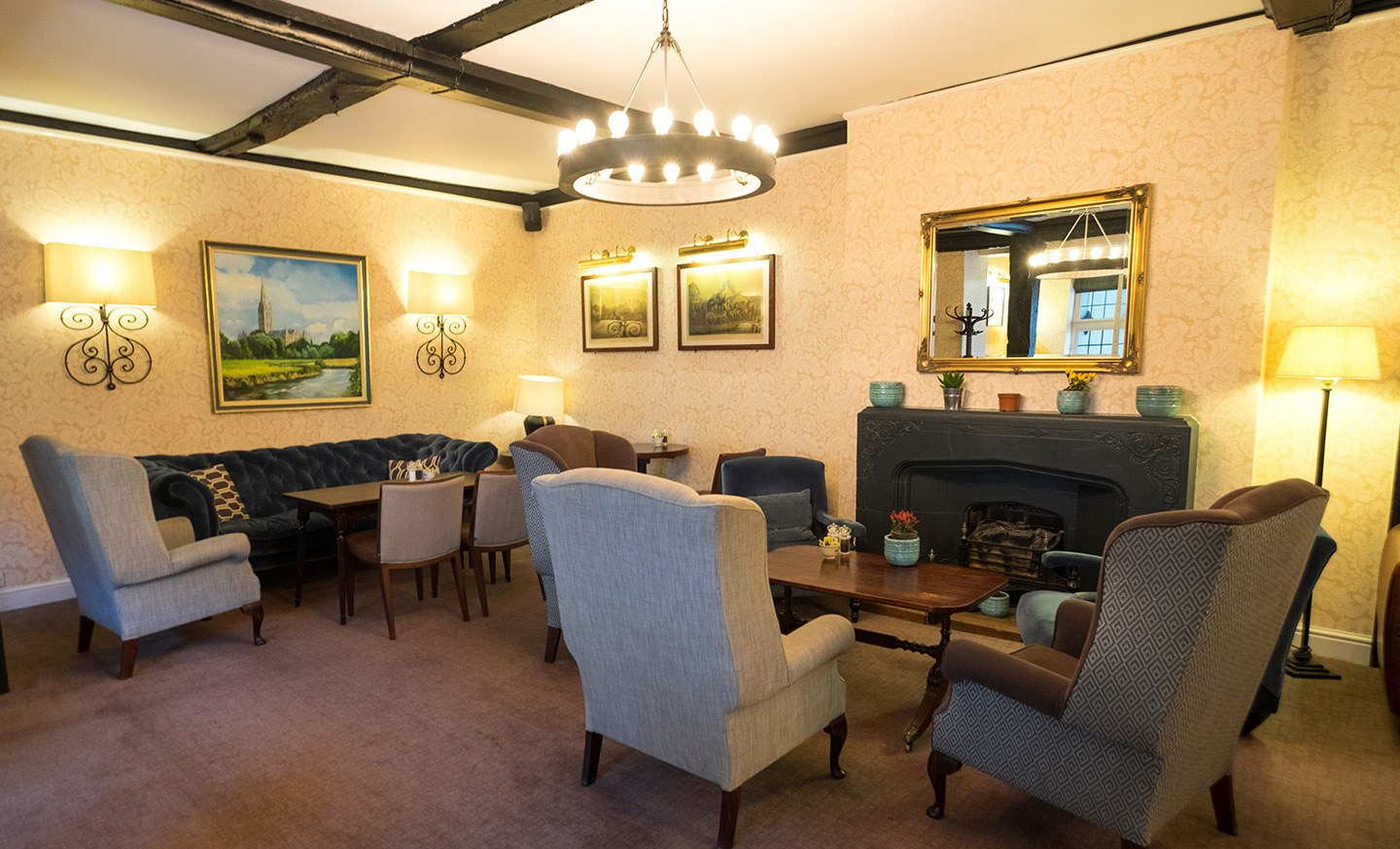 Lounge at the Best Western Salisbury Red Lion Hotel