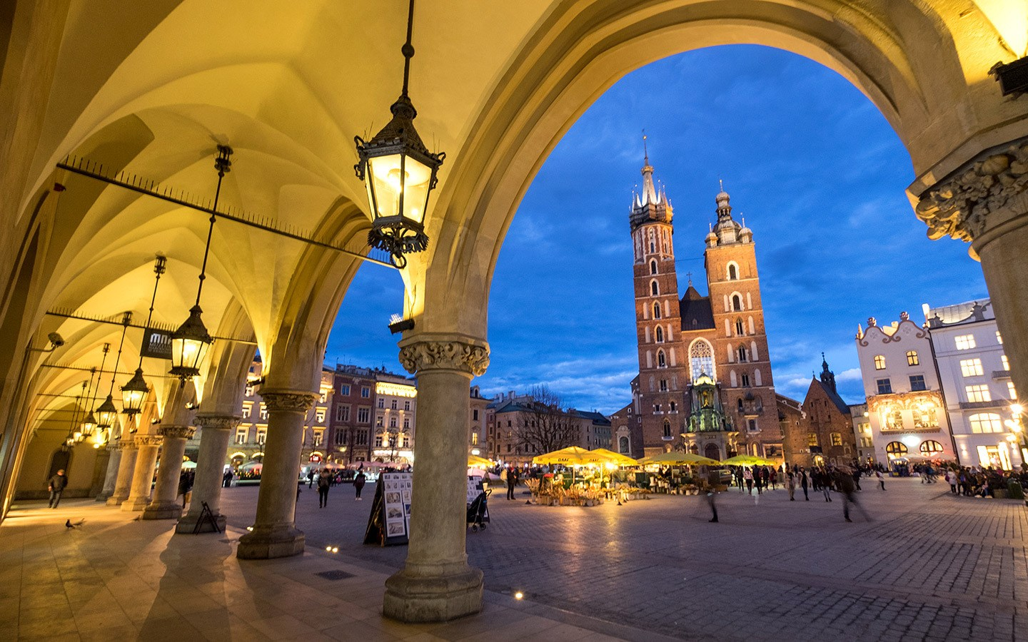 Five reasons why Kraków in Poland makes a great European weekend city break destination – with beautiful architecture, a fascinating history, friendly people, delicious food and great value for money.