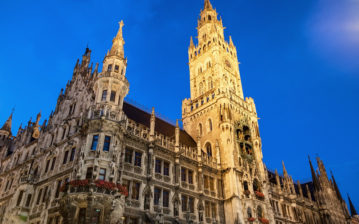 Munich's New Town Hall (Neus Rathaus)