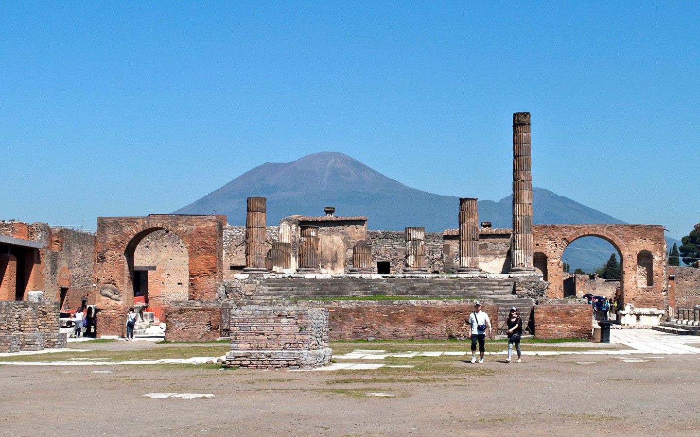 Visiting Pompeii, Italy: The Roman city frozen in time