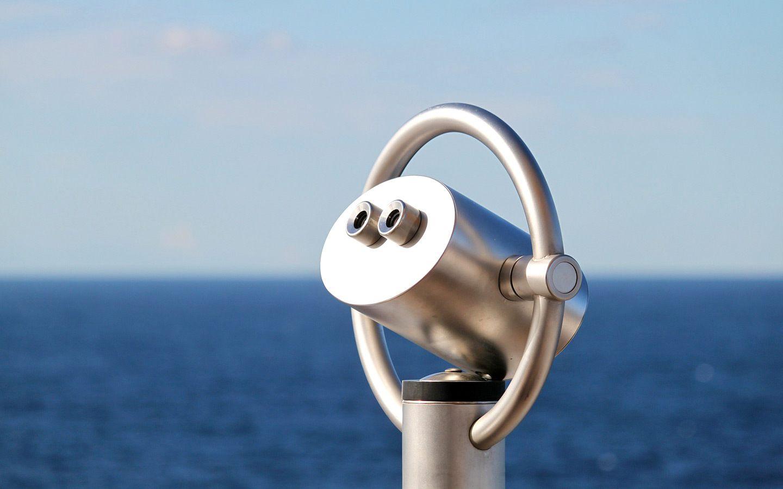 Cruise ship periscope