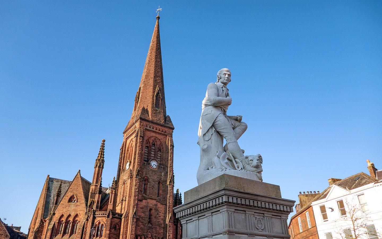 Robert Burns statue in Dumfries