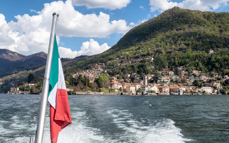 Basin of Como boat trip on Lake Como with Navigazione Laghi