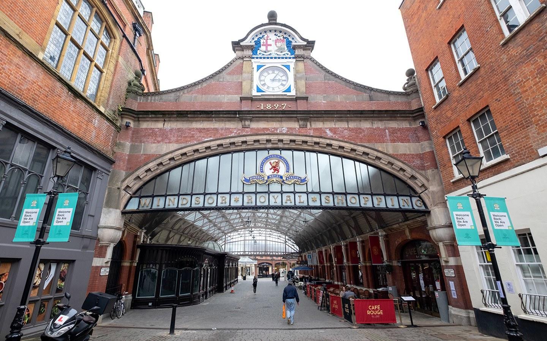 Windsor Royal Station shops